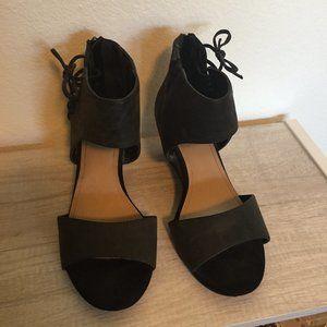 🌸 Plus Size - Torrid Black Sipper Sandals